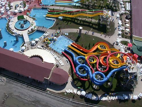 Спечелете два билета за Action Aquapark