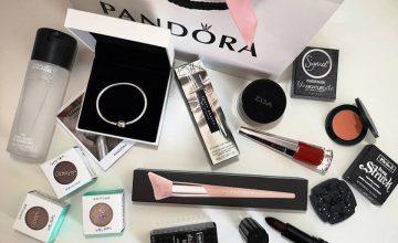 Спечелете луксозна козметика и гривна Pandora