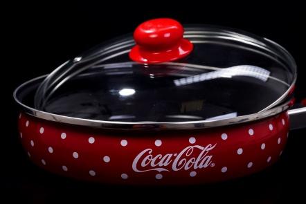 Спечелете тенджери, тави за печене и касероли от Coca Cola