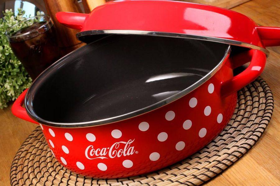Спечелете три Coca Cola касероли