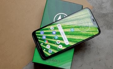 Спечелете смартфон Motorola Moto G7 Power