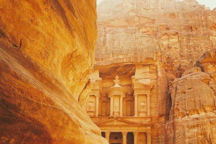Спечели пътуване до Йордания и вълшебни награди от филма Аладин