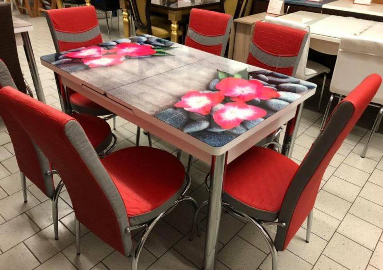 Спечелете стилен комплект от трапезна маса и шест стола