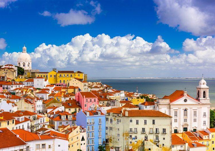 Спечелете 22 почивки в Португалия