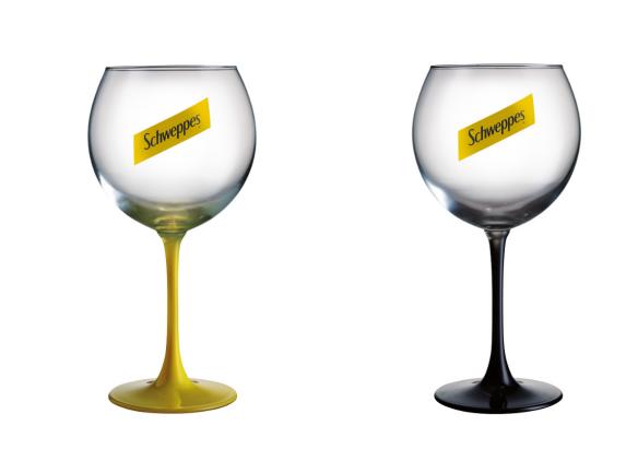 Спечелете 45 000 чудесни чаши Schweppes