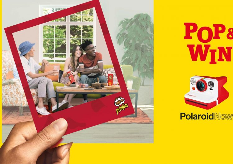 Спечелете 976 камери за моментни снимки Polaroid Now