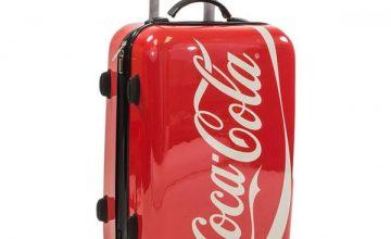 Спечелете куфари, мини хладилници, суичъри, тениски и чаши Coca-Cola