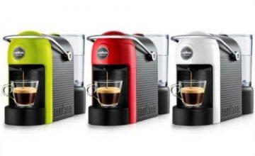 Спечелете 20 кафе машини LAVAZZA A MODE MIO и 150 ваучера за пазаруване във Фантастико