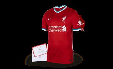 Спечелете оригинални тениски LFC, футболни топки и комплекти чаши от Carlsberg